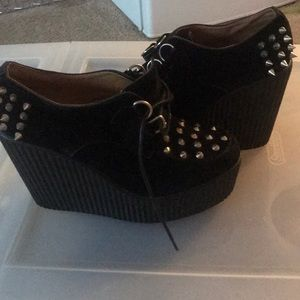 Spiked wedges